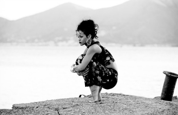 rihanna-greece-1