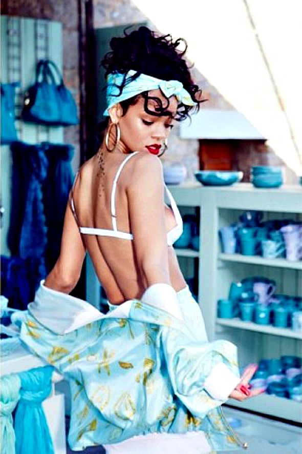 rihanna-greece-14