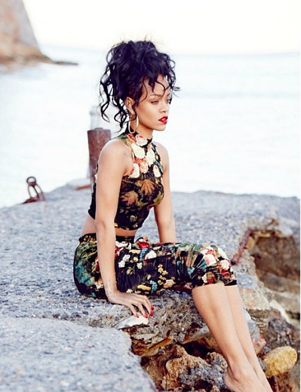 rihanna-greece-5